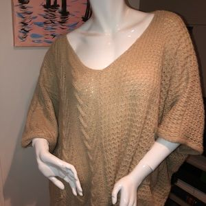 Sweaters - Slouchy tan sweater m/l